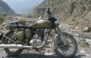 Royal Enfield Lower Mustang Tour